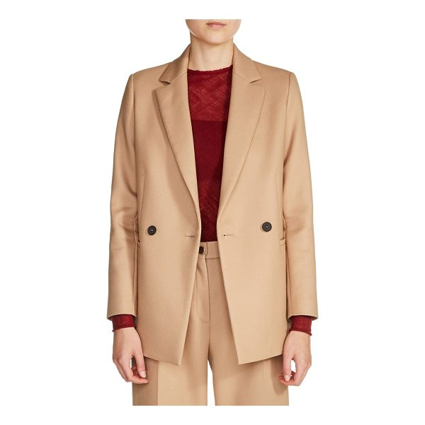 MAJE double-breasted jacket - Strong shoulders and double-breasted styling reinforce the...