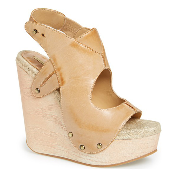 MAXSTUDIO fiore platform wedge sandal - A dramatic wooden wedge heightens the cool, '70s vibe of a...