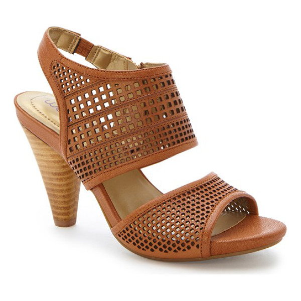 ME TOO dixie sandal - A memory foam-cushioned heel adds optimal comfort to a...