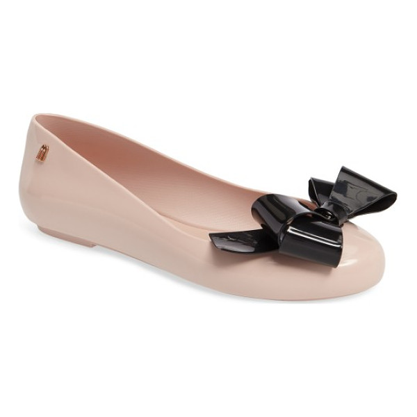 MELISSA space love flat - A simple, bow-festooned flat is made with Melissa's...