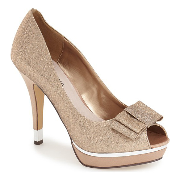 MENBUR cuvelier platform pump - A gleaming platform and flat bow lend on-trend style to a...