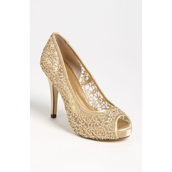 MENBUR 'strass' pump - Diminutive crystals dance amid the femme lacework of a
