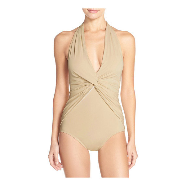 MICHAEL MICHAEL KORS front twist one-piece halter swimsuit - A shapely front twist anchors the plunging V-neckline and...