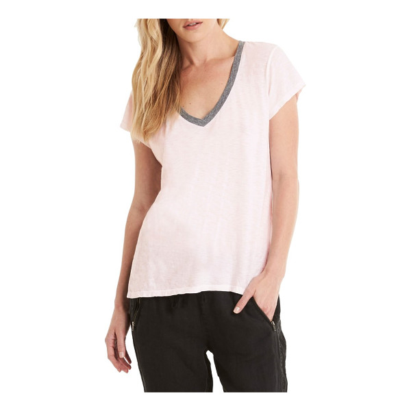 MICHAEL STARS contrast v-neck tee - Contrast trim highlights the flattering V-neck of a cute...
