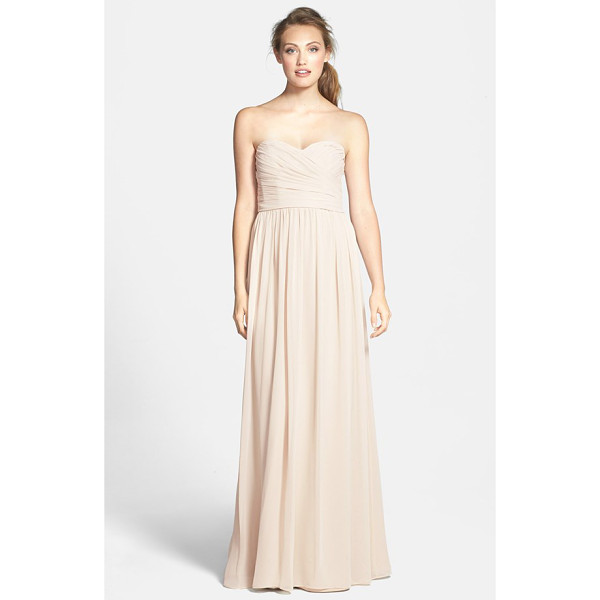 ML MONIQUE LHUILLIER BRIDESMAIDS strapless ruched chiffon sweetheart gown - A floating chiffon skirt enhances the elongated silhouette...