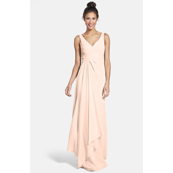 ML MONIQUE LHUILLIER BRIDESMAIDS sleeveless v-neck chiffon gown - A pleat-softened bodice with a pretty crossover neckline...