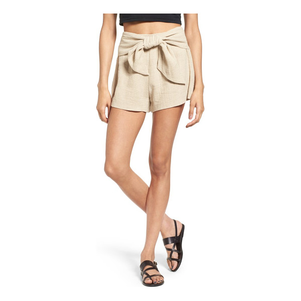 MOON RIVER tie waist linen & cotton shorts - An oversized bow adds a bit of sweetness to these sand-hued...