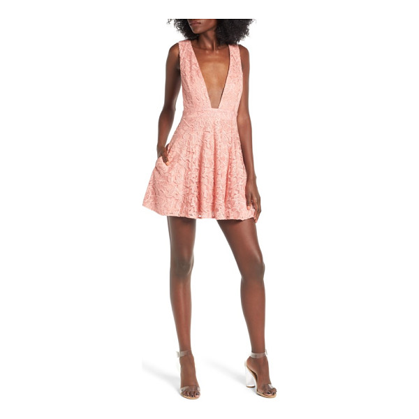 NBD faith lace dress - Keep your look fresh and modern with a lacy dress featuring...