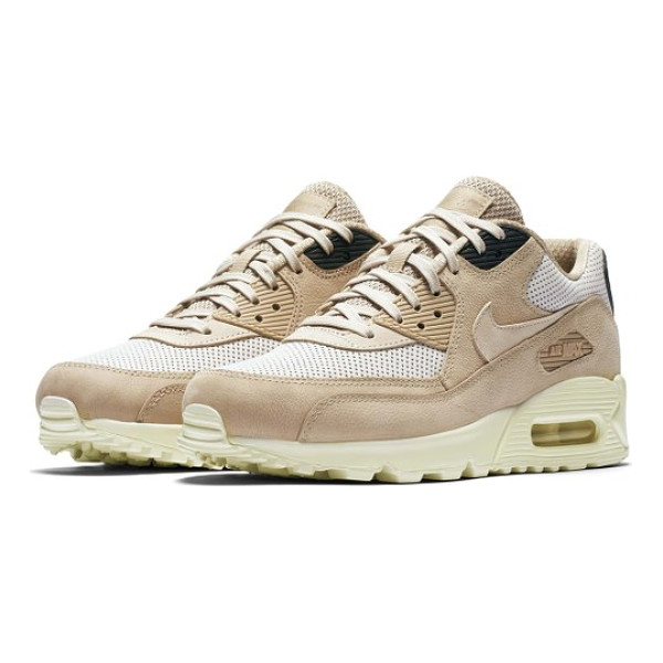 NIKE air max 90 pinnacle sneaker - An iconic running shoe from the '90s has been adapted as a...