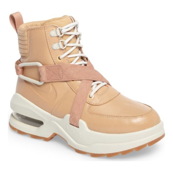 NIKE air max goadome sneaker boot - Channel-stitched quilting at the cuff and a breathable mesh...