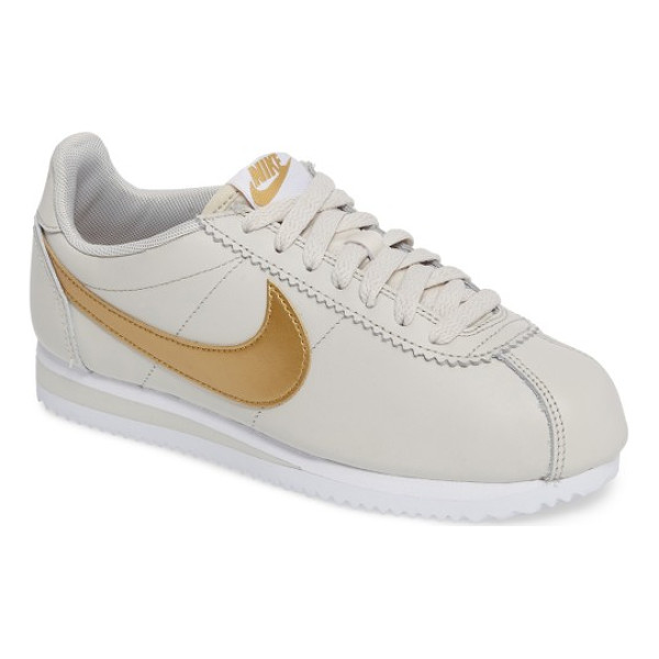 NIKE 'classic cortez' sneaker - Kick back in classic '70s running style with the Cortez,...
