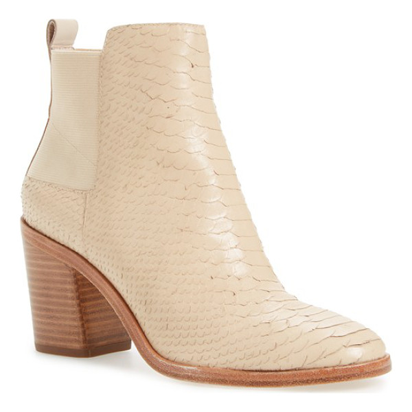 POUR LA VICTOIRE willux chelsea boot - A lofty block heel brings a modern element to a definitive...