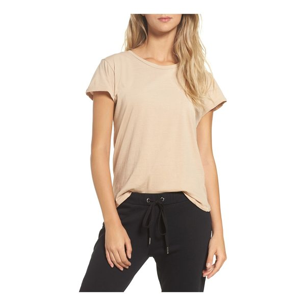 RAGDOLL vintage tee - Designed with a slim, vintage-feeling fit, this soft cotton...