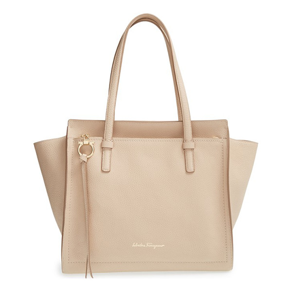 SALVATORE FERRAGAMO small calfskin leather tote - Gorgeously textured calfskin leather shapes the pristine...