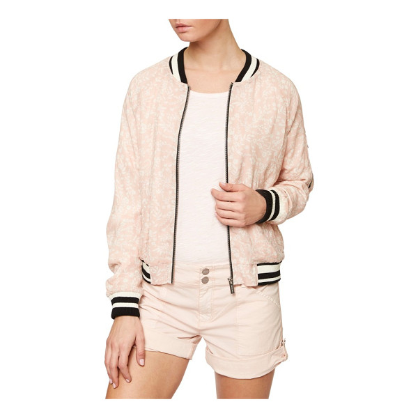 SANCTUARY sprout bomber jacket - A delicate floral print and soft pink color feminize a...