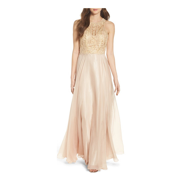 SEAN COLLECTION sean collecion embellished gown - Faint color and a temptingly sheer bodice bring sensuality...