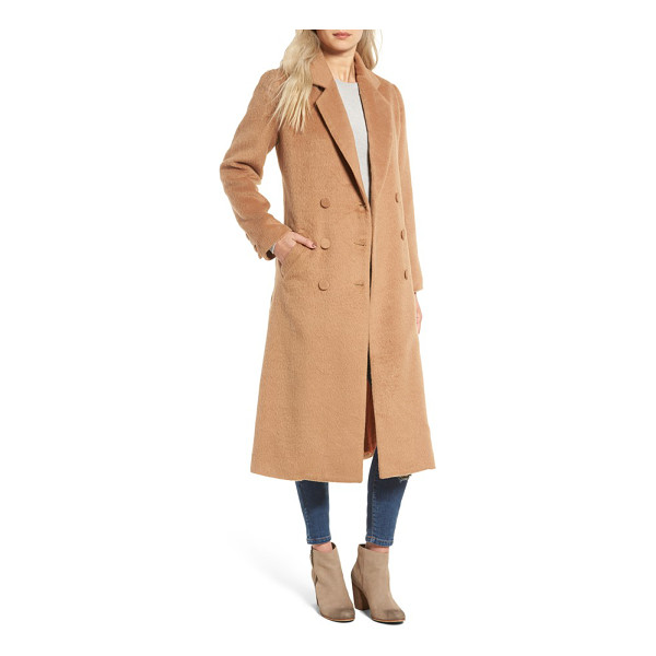 SOMEDAYS LOVIN take me in trench coat - Look completely chic while keeping warm this winter in a...