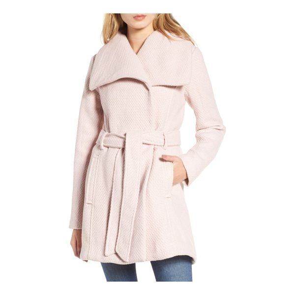 STEVE MADDEN belted waffle woven coat - Subtle waffle texture adds tactile dimension to this softly...