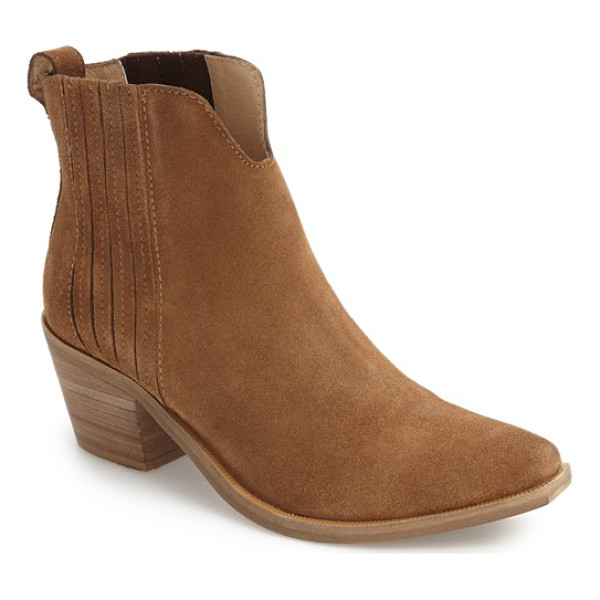 STEVE MADDEN webster chelsea boot - Cleverly concealed goring and a pointy toe set on a...