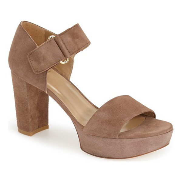STUART WEITZMAN causeway platform sandal - A lofty platform and block heel bring on the '90s appeal in...