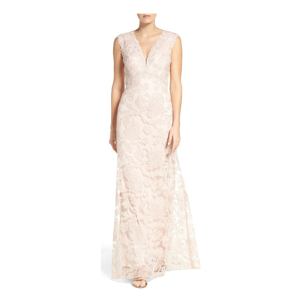 TADASHI SHOJI embroidered lace gown - Ornate floral lace on a gauzy mesh overlay enhances the...