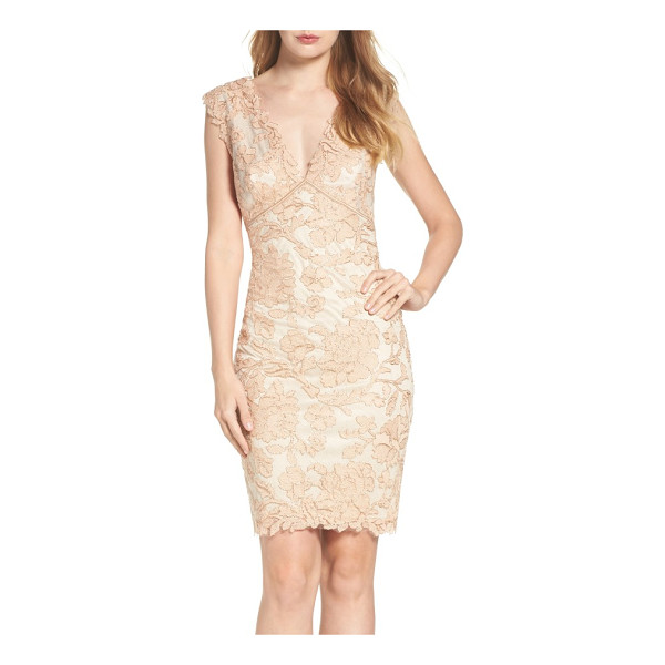 TADASHI SHOJI embroidered lace sheath dress - Corded with metallic shimmer, a richly embroidered lace...