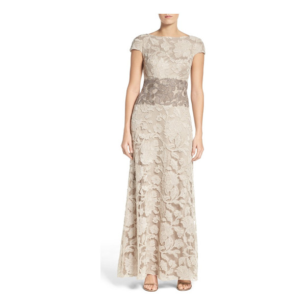 TADASHI SHOJI floral embroidered gown - A floral-embroidered mesh overlay provides a stunning...