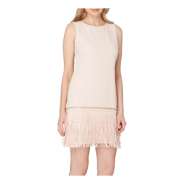 TAHARI fringe shift dress - Taking inspiration from vintage flapper silhouettes, this...