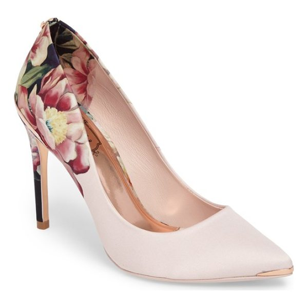 TED BAKER kawaap pump - Luxe patterned fabric textures a classically profiled pump...