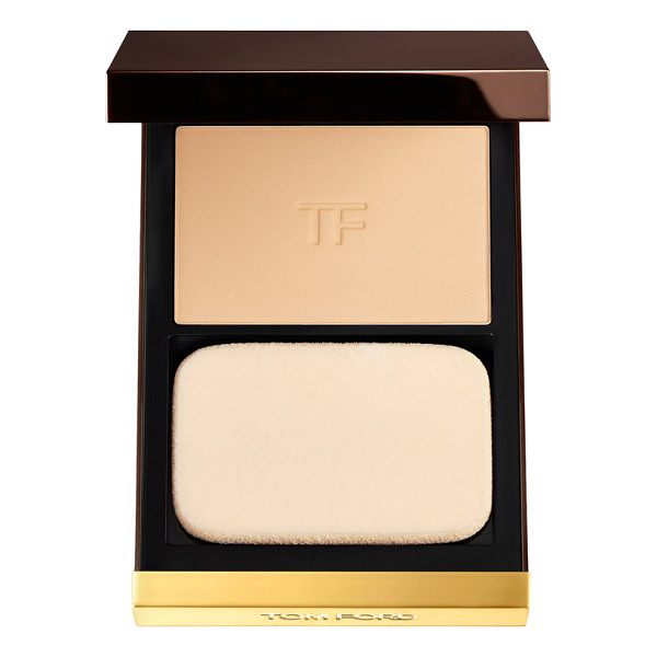 TOM FORD flawless powder foundation - This versatile foundation by Tom Ford glides onto skin with