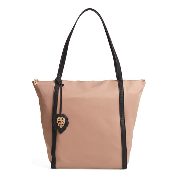 TOMMY BAHAMA siesta key waterproof beach tote - The carefree character of this floral-print tote extends to...