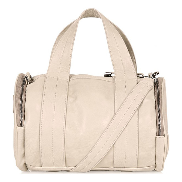 TOPSHOP Billy sporty barrel holdall - Zip-around end pockets help to keep your essentials...
