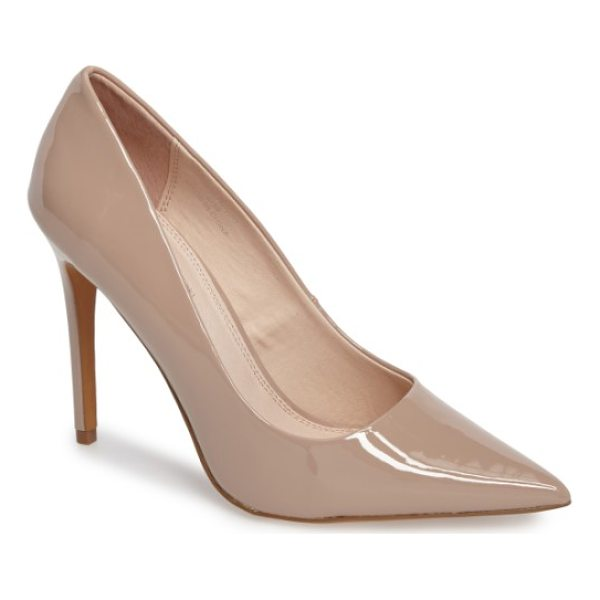 TOPSHOP grammer pointy toe pump - Keep your look impeccably classic with a smooth,...
