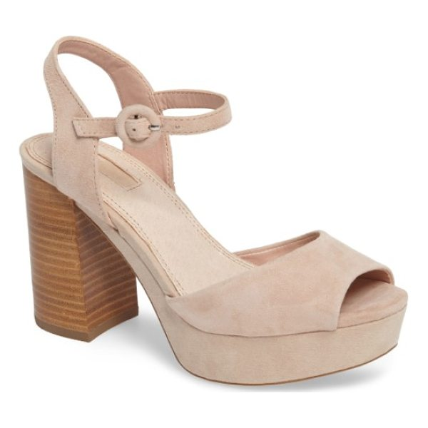 TOPSHOP 'lana' chunky platform sandal - A chunky flared heel and a wrapped platform help this...