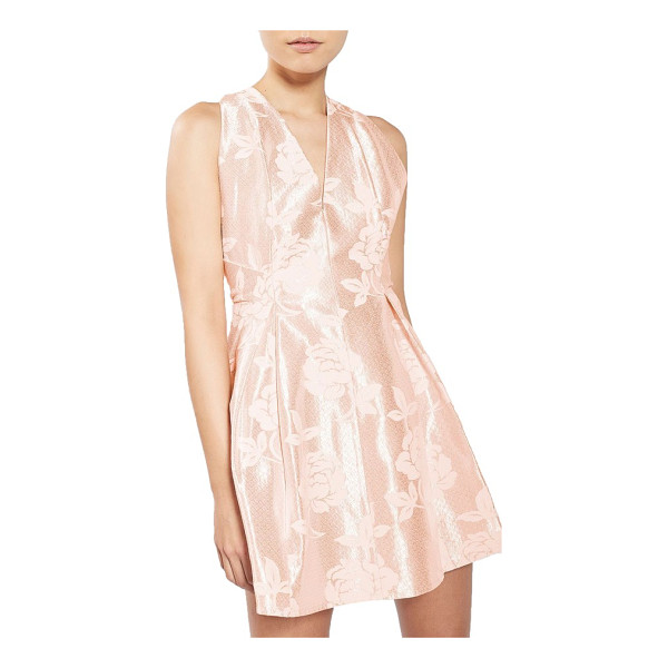 TOPSHOP petite   twist jacquard minidress - Lush roses float across a radiant blush minidress,...