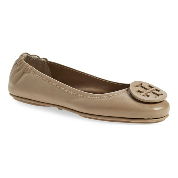 TORY BURCH minnie travel ballet flat - A polished double-T logo medallion tops the rounded toe of...