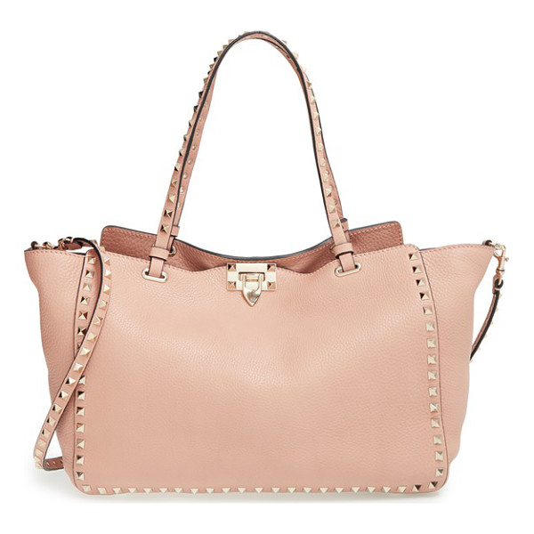 VALENTINO Medium rockstud tote - The Rockstud tote will take you through the seasons in...