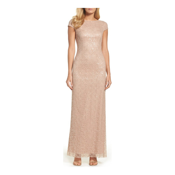 VERA WANG sequin lace gown - Quiet color and timeless lace temper sparkling sequins for...