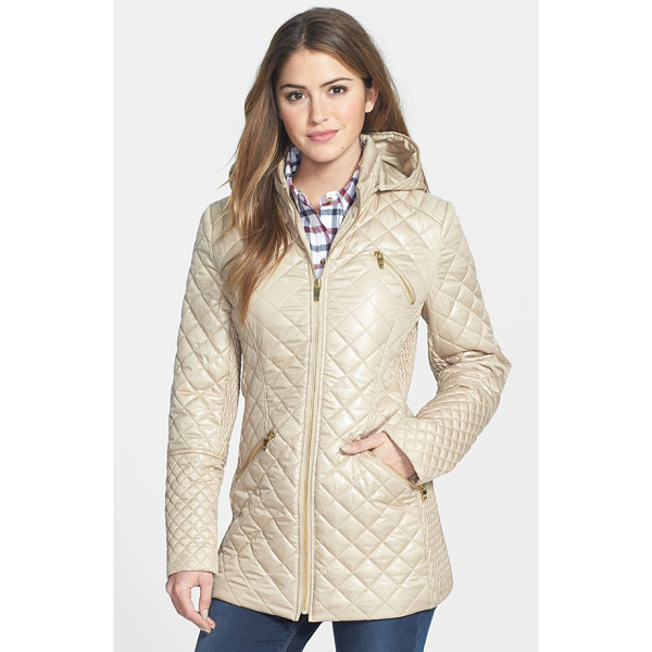 VIA SPIGA 4-pocket quilted jacket with detachable hood - The slim, nipped-in shape of this quilted jacket is...