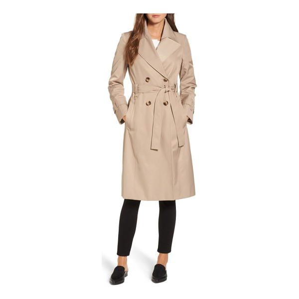 VIA SPIGA double breasted trench coat - The season-spanning mainstay of every outerwear closet, the...