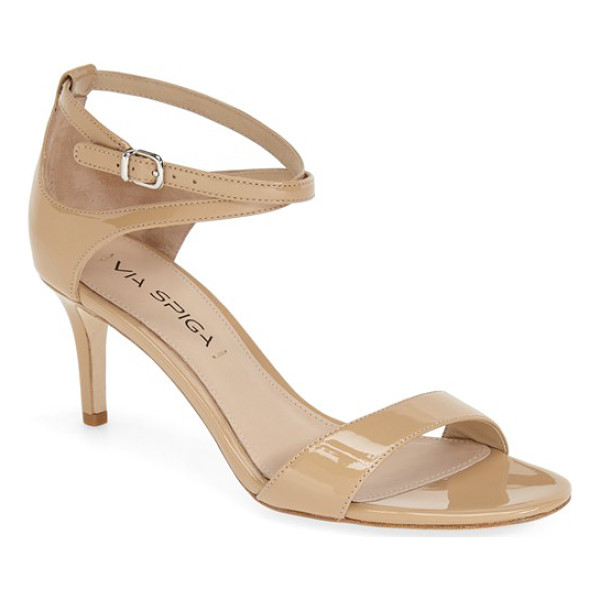 VIA SPIGA 'leesa' sandal - Curved cutouts and crisscrossed ankle straps style an...