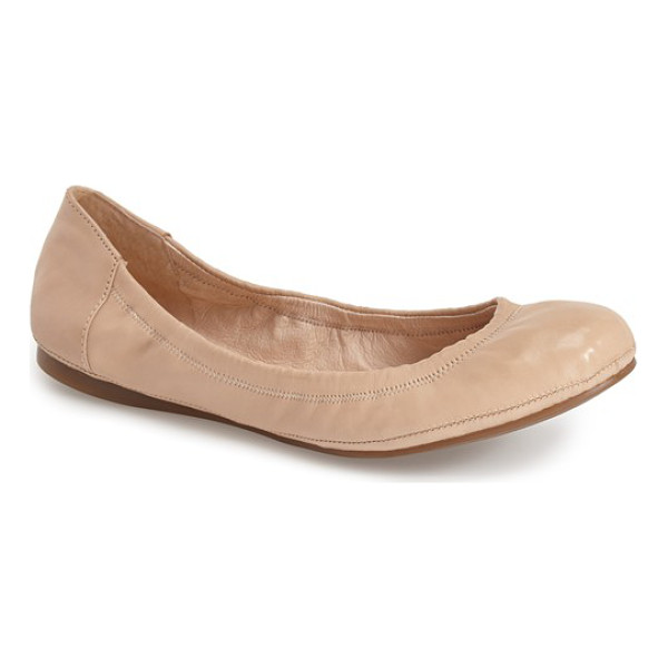 VINCE CAMUTO ellen flat - Soft, streamlined leather, suede or tactile calf-hair and...