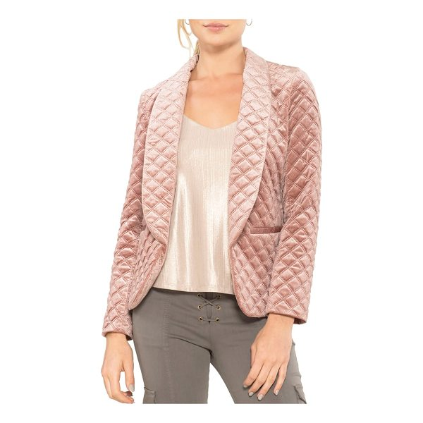 WILLOW & CLAY quilted blazer - A softer take on a classic blazer, this velvet style...