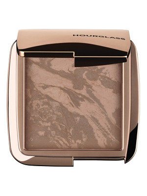 HOURGLASS Ambient Lighting Bronzer