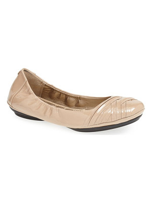 Me Too 'fiona' leather ballet flat
