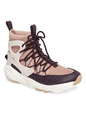NIKE Air Footscape Mid Sneaker Boot