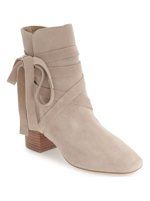 TOPSHOP 'Anabel' Lace-Up Boots