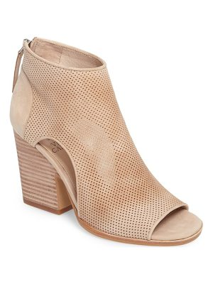 VINCE CAMUTO Bevina Cutout Bootie