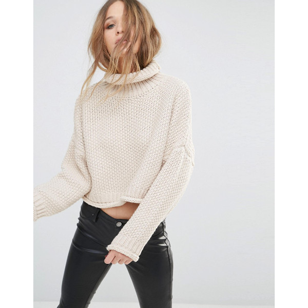 MOON RIVER Knitted Crop Sweater - Sweater by Moon River, Chunky knit, Roll neckline, Cropped...
