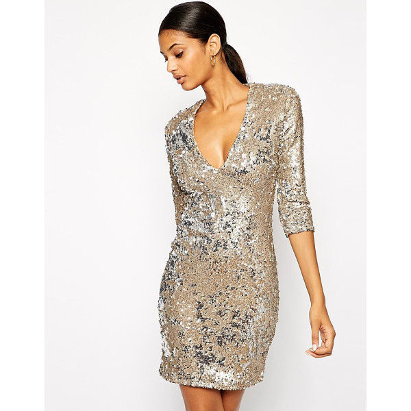 TFNC Body-conscious sequin dress with deep plunge neckline - This baseball cap has been constructed in wool. The details...